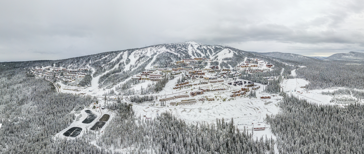 Big White Ski Resort is one of many BC attractions receiving support from the provincial government(Big White Ski Resort).